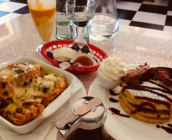 Oxford, New Zealand: Huge lunch to share for two!