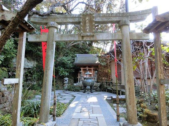 Sugimoto Temple Okura Benzai Tendo