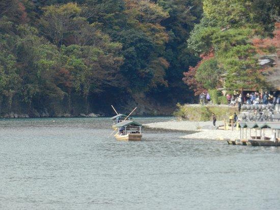 Kyoto Prefecture, Japón: 大堰川の保津川下り舟
