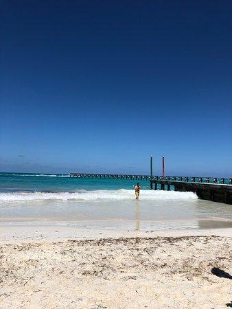 Хороший пляж: малолюдно