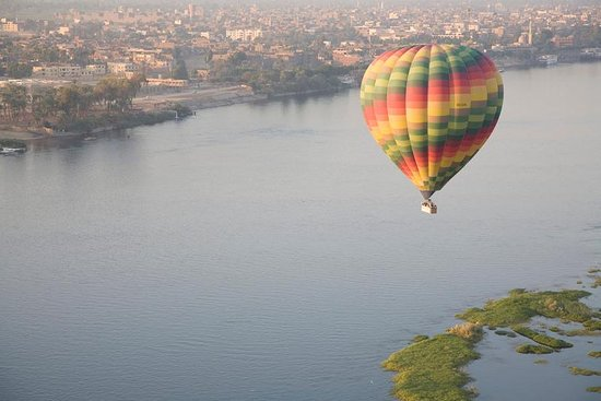 hot air balloons luxor