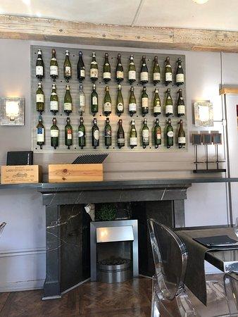 La Maison: Une Déco Autour Du Vin ... Pas Bête Car Le Restaurant