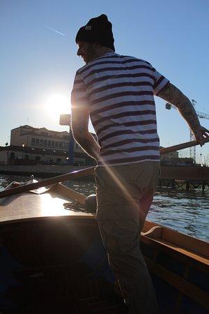 Row Venice: row