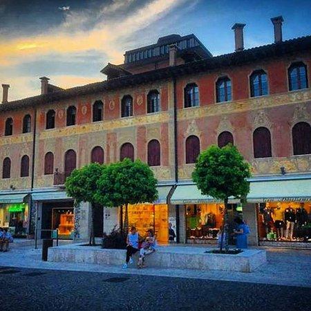 C'è un lungo a Montebelluna in via Corso Mazzini 110, dove si respira il profumo del Montello e si gustano i sapori della Marca Trevigiana.