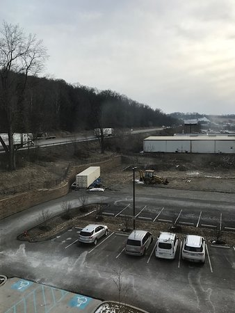 Fairfield Inn & Suites Belle Vernon: Here's where the noise comes from.
