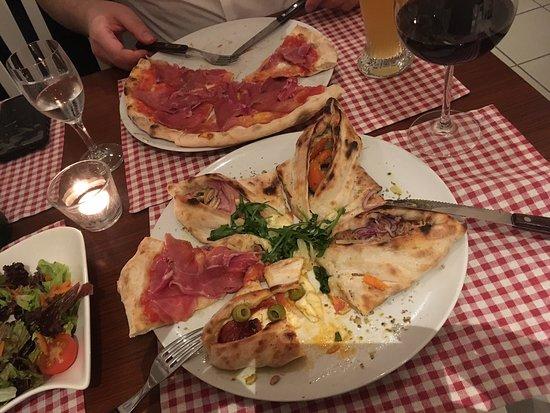 Pizza Bar La Margherita: 4 eckige pizza & pizza parma
