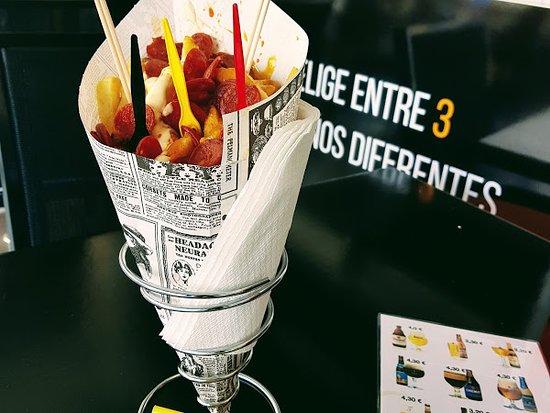 ...Belgian fries, Ptta + Jammie sauce, topped up with chorizo...absolutely delicious!