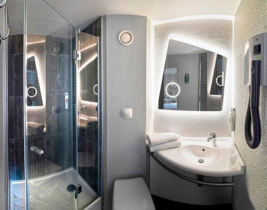 exterieur foto van ibis strasbourg sud la vigie ostwald. Black Bedroom Furniture Sets. Home Design Ideas