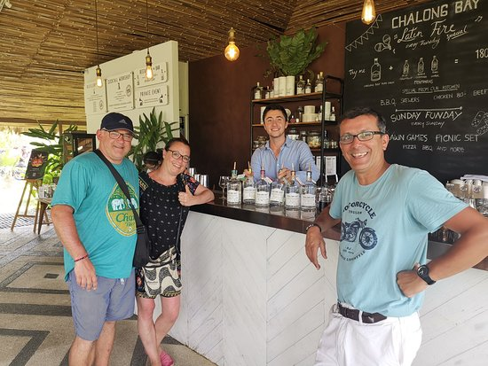 Distillery Visit at Chalong Bay Rum:  très belle dégustation