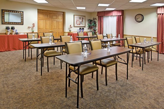 Delmont, PA: Meeting room