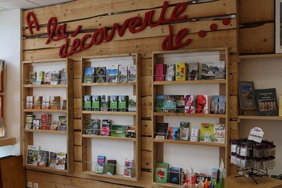 Saint-Amour, França: Vue intérieure  de l'office de tourisme