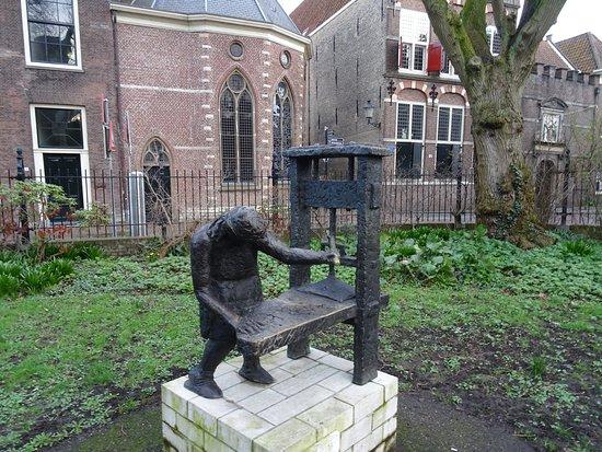tuin van het Willem Vroesenhuis