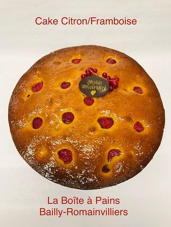 La Boîte à Pains: L'incontournable Cake Citron/Framboise....  (version gâteau d'anniversaire)