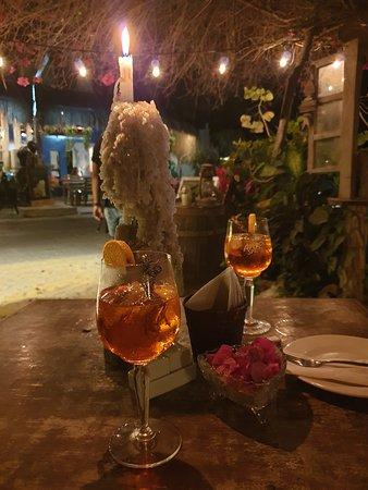 Mivida Tapas Bar&Restaurant : Proper Italian Aperol spritz