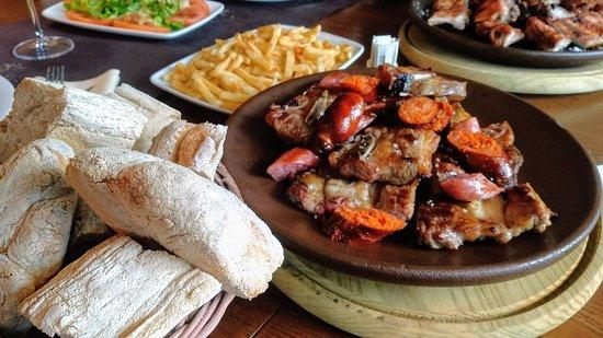A Estrada, Spain: Restaurante Brasería Regatos
