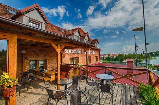 Ryn, Poland: Balkon z widokiem na jezioro Ryńskie