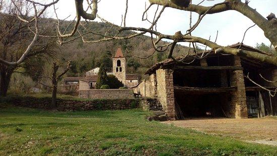 Sant Privat d'en Bas, إسبانيا: Pueblo precioso de la garrotxa