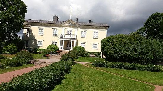 Park of Herttoniemi Mansion