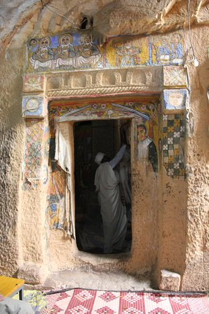 Abiy Addi, เอธิโอเปีย: Entrance to the rock-hewn church Gebriel Wukien