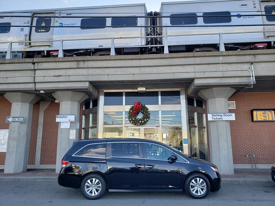 taxi service at the Babylon LIRR train station. Taxi Service from Babylon NY to JFK Airport