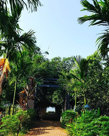A peaceful, romantic resort