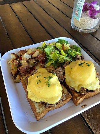 Barefoot Beach Cafe: breakfast & dinner menu