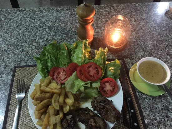 Muang Sing, Laos: Beef fillet blue cheese sauce