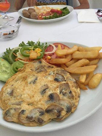 Pimm's Restaurant: Pimms mushroom omelette delicious