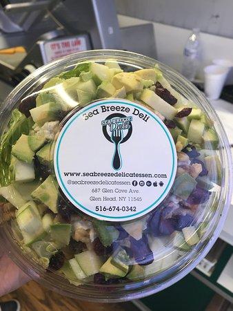 Glen Head, NY: Freshly made salads.