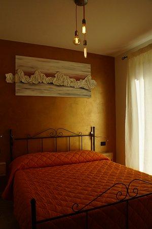 Morrovalle, Italy: Camera