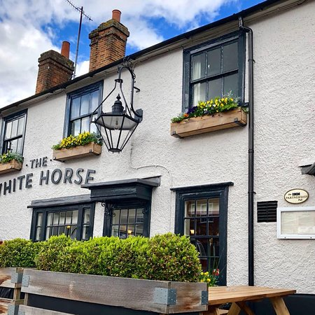 ‪The White Horse‬