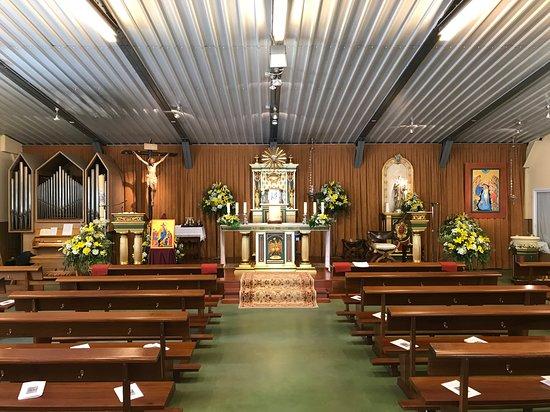 Parroquia de Santa Genoveva Torres Morales