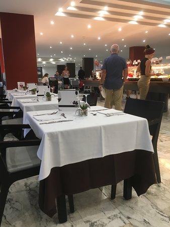 Taurito Princess: Dining room