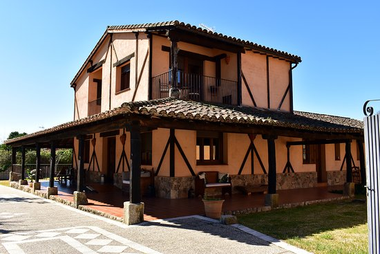 Madrigal de la Vera, Spain: getlstd_property_photo
