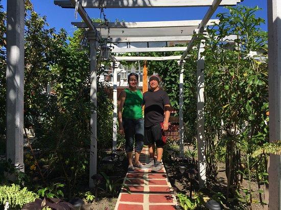Alejandro and Susana House: Susana and Alejandro in the garden