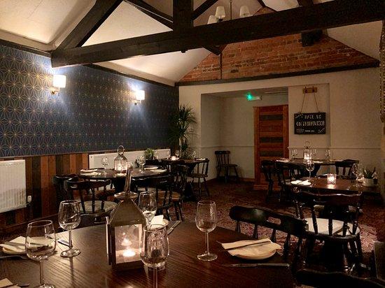 Cawood, UK: Restaurant at The Castle Inn