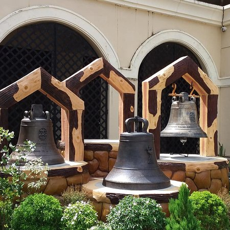 Eastern Samar Province, Filipinas: The Balangiga Bells back in the Philippines.