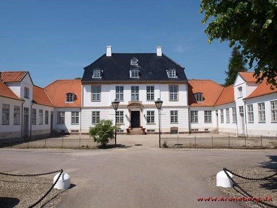 Smoerum, Danimarka: Edelgave