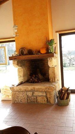 Tripadvisor - La sala colazioni - صورة Agriturismo Fontana delle Pere، Massa Martana
