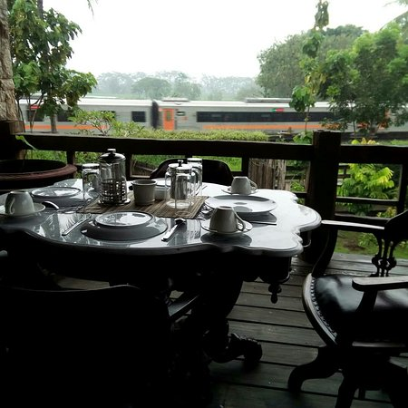 Private dining at the balcony rooms