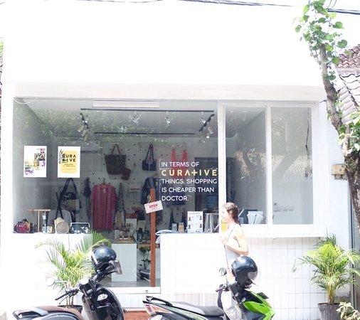 Curative Concept Store
