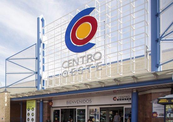Majadahonda, Spain: Entrada Centro Comercial Centro Oeste