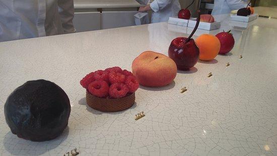 Fruits by Cedric Grolet , Photo de La Pâtisserie du Meurice