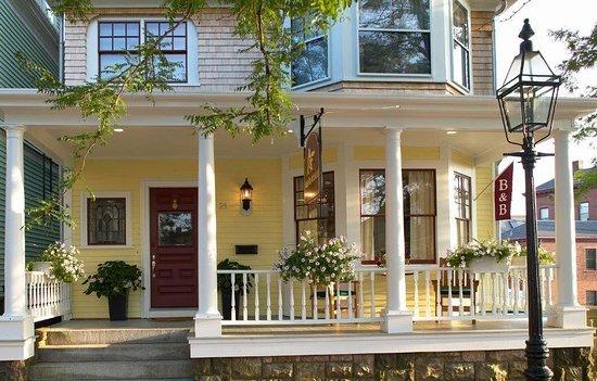 almondy inn newport ri updated 2019 prices b b. Black Bedroom Furniture Sets. Home Design Ideas