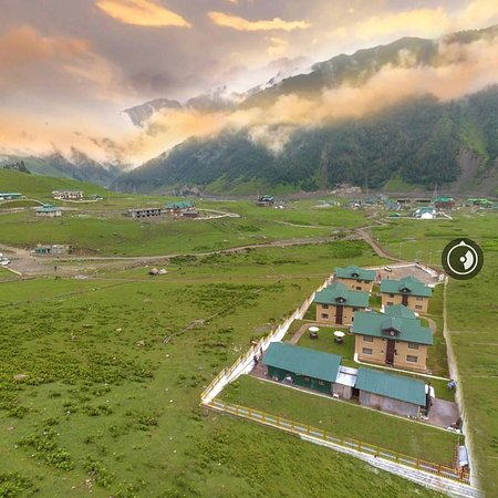 Sonmarg, India: This place is called ᔕOᑎᗩᗰᗩᖇG, literally meaning GOᒪᗪ. A True Pieces of Heaven on Earth. • • Kashmir ••••  @countrysidekashmir