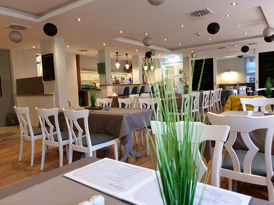 Utersum, Germany: Das schöne Restaurant  von Innen!