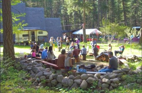 Slocan Park, แคนาดา: occasional parties