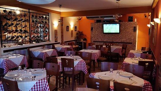 Trattoria Pizzeria Da Lucy, c.a es un Restaurante de comida italiana ubicado en Charallave, Edo Miranda, Venezuela.