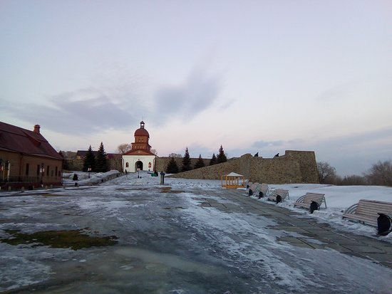 обзорный вид внутренней территории крепости