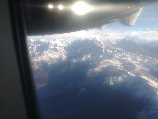 Lukla, Nepál: HIMALAYAs; EVEREST(8848)